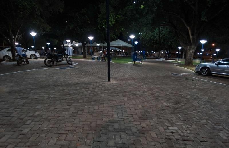 Corrente | Prefeitura reinaugura a Praça Joaquim Nogueira Paranaguá