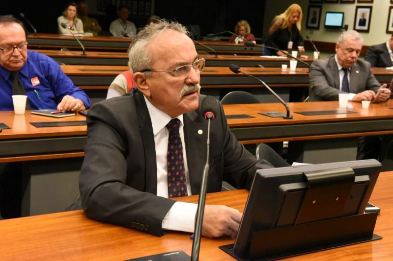 Deputado Átila Lira confirma pré-candidatura à reeleição