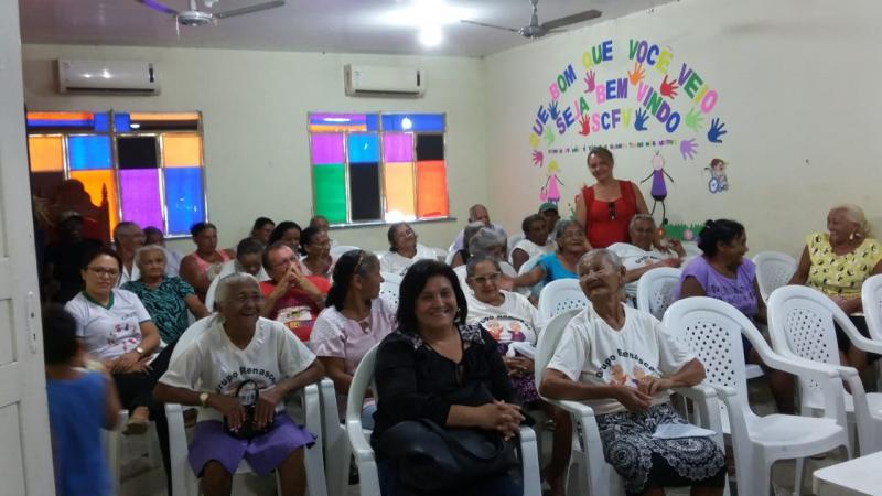 Prefeitura municipal através do CRAS realiza Sessão de cinema com idosos do grupo renascer