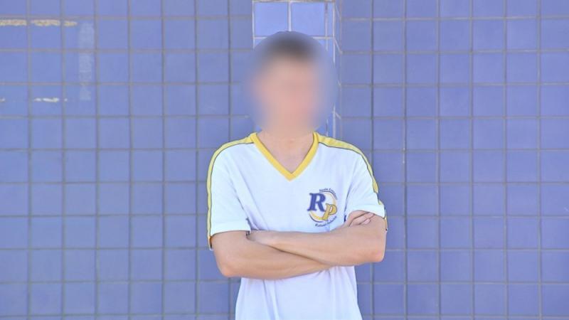 Aluno é detido após dar soco em rosto de professor em sala de aula