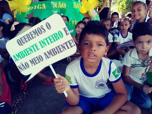 Escola Alexandrino desenvolve atividades em defesa do Meio Ambiente
