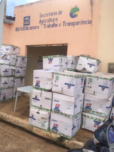 Secretaria municipal de Agricultura de Barra D'Alcântara fez entrega de 50 Kits de irrigação