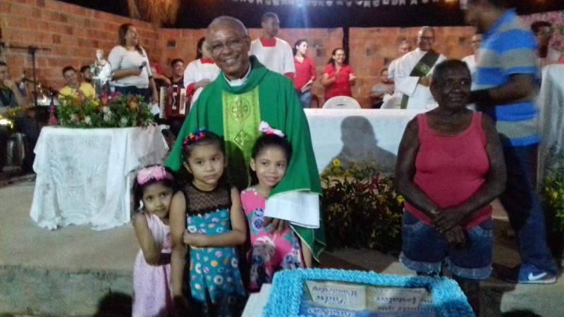 Demerval Lobão   Paroquianos e amigos celebram aniversário do Padre Wanderley