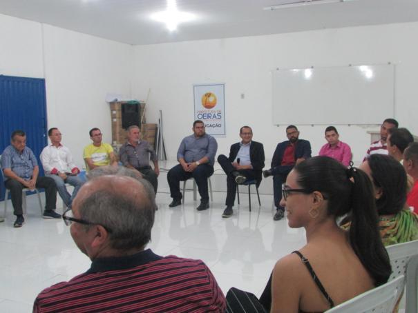 O 'Conversando com o Presidente' em Oeiras debateu aspectos de trabalho e valorização profissional