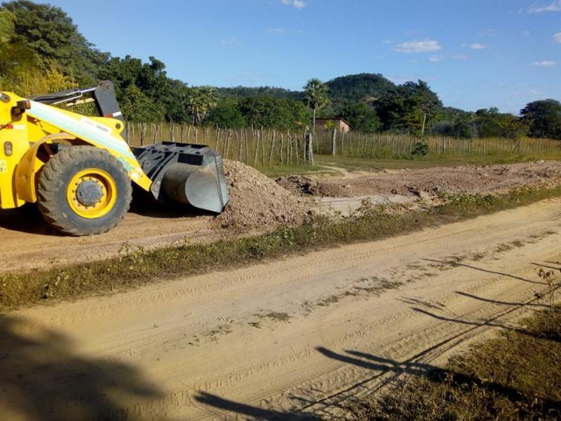 Prefeitura de Pau D'Arco realiza recuperação da PI 223