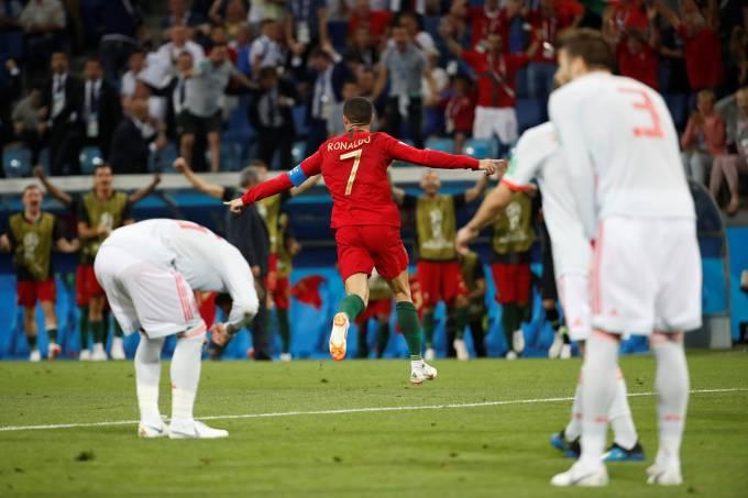 Portugal e Espanha empatam com seis gols e recorde de CR7