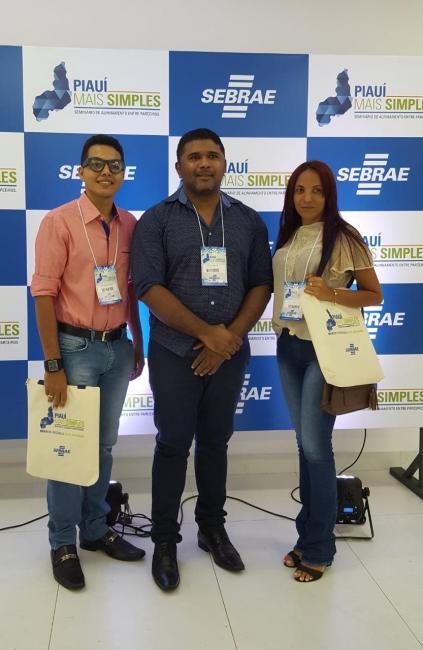 Prefeito Dr. Manoel Júnior e equipe da Prefeitura de Cristino Castro participa de evento do SEBRAE