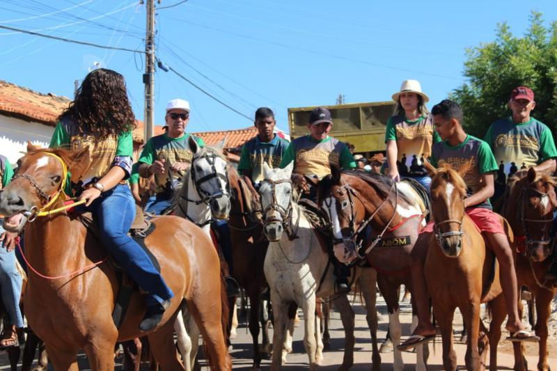 Sexta Cavalgada da Amizade é realizada em Barro Duro