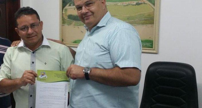 Prefeito confirma aliança com político que há 21 anos era seu opositor em Porto Alegre do Piauí