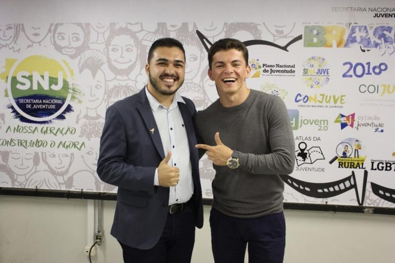 Equipe da Coordenadoria de Juventude de Água Branca participa de capacitação em Brasília.