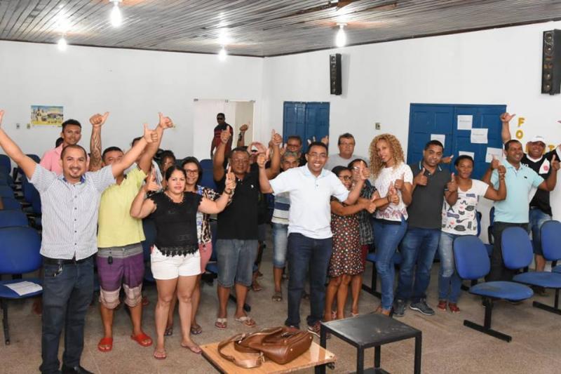 Ambulantes de Floriano liberam calçadas públicas e ganham novo espaço para trabalhar