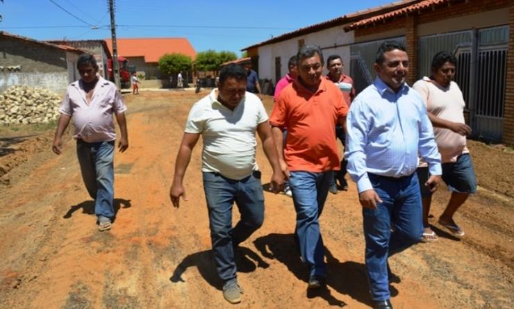 Prefeito de Campo Maior garante 3,5 milhões para obras de pavimentação de quatro bairros da cidades