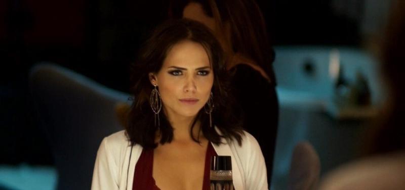 Segundo Sol: Rosa será humilhada e obrigada a assistir Ícaro e Laureta transando