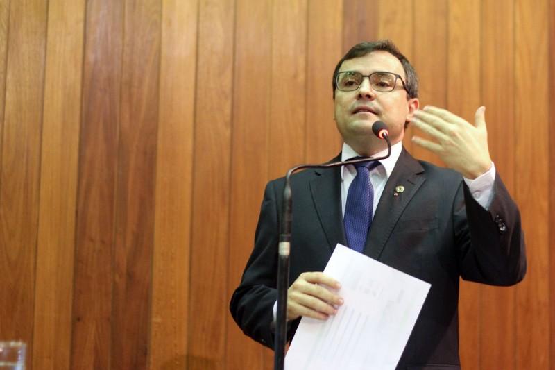 Deputado é vaiado durante sessão na Assembleia Legislativa do Piauí