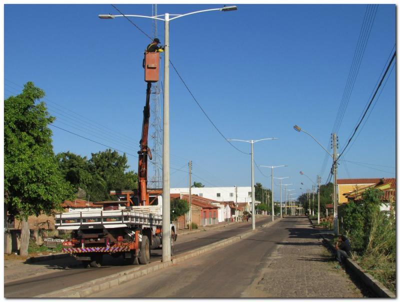 Avenida Duque de Caxias ganha nova iluminação