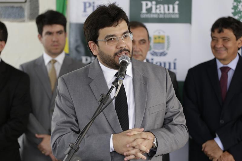 Rafael Fonteles pede afastamento do cargo de secretário da Sefaz