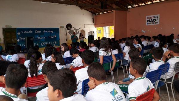 """Projeto """"Paz na Escola"""", é desenvolvido pela escola Dom Avelar Brandão Vilela em Colônia do Gurguéia-PI"""