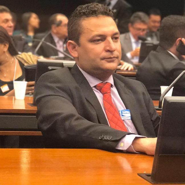 Prefeito de Hugo Napoleão Hélio Rodrigues é investigado por fraude em licitação