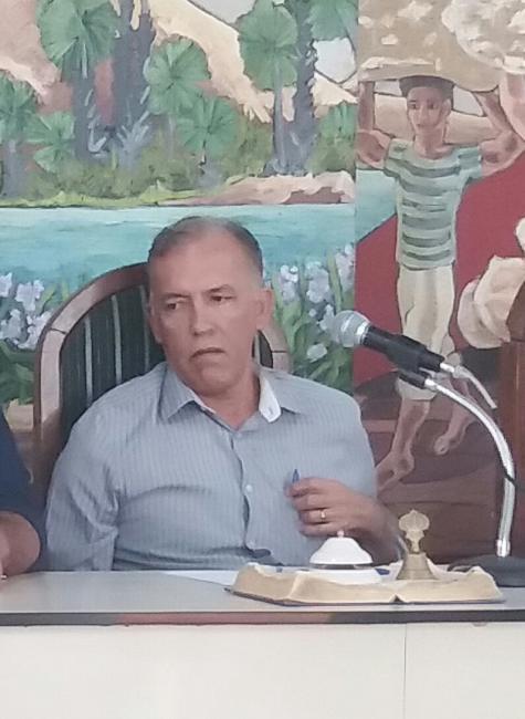 Presidente da Camara Municipal de Simplicio Mendes  autoriza a realização de Concurso  publico.