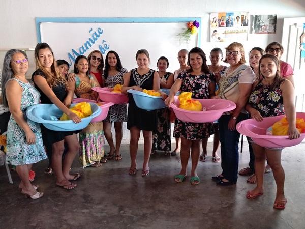 Mães recebem Kits do Projeto Mamãe Bebê em Guadalupe