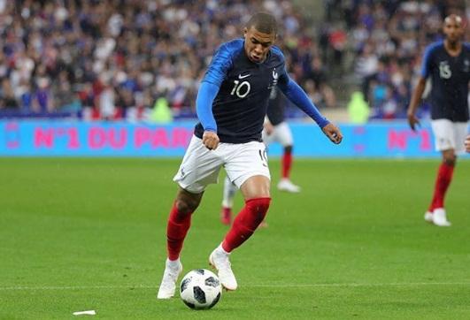 França garante classificação e elimina o Peru da Copa