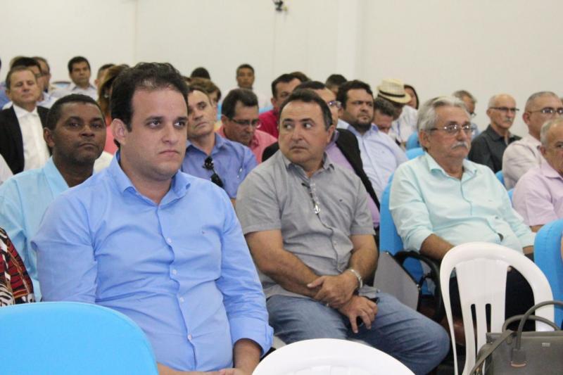 Em reunião na APPM, prefeito de Amarante cobra repactuação de recursos aos município