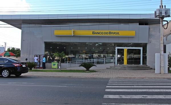Bancos reabrem após jogo da seleção brasileira