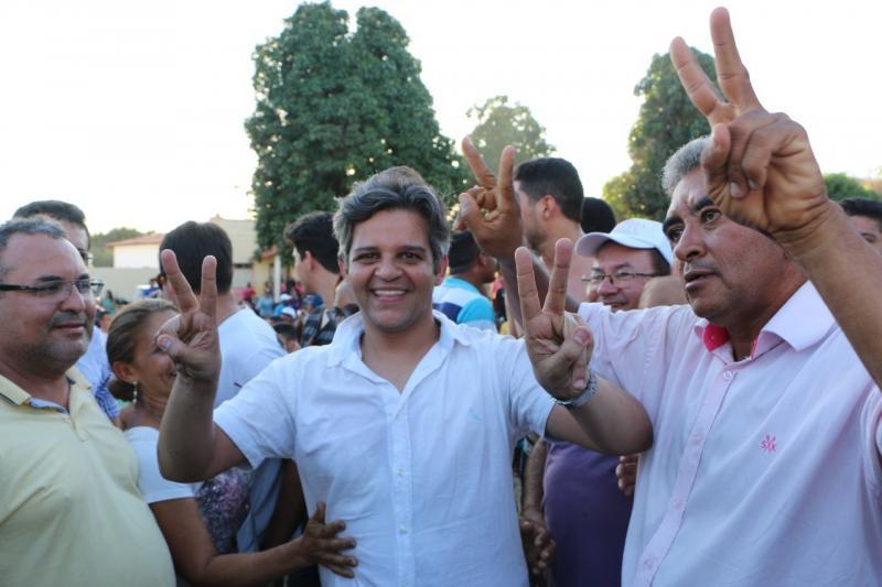 Promotora abre procedimento para investigar prefeito Robertinho de Miguel Leão