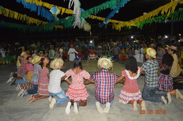 Escola Aliança do Gurgueia deu um show nas apresentações das quadrilhas juninas