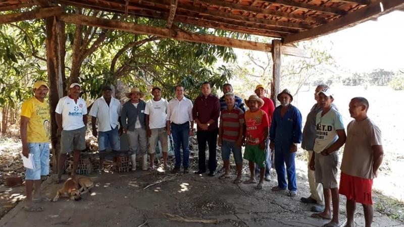 Prefeito Osvaldo Bonfim trata de melhorias agrícolas para o município