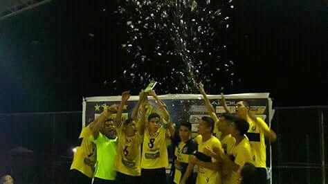 Borussia, comemorando o título da Copa Cocais de futsal 2017