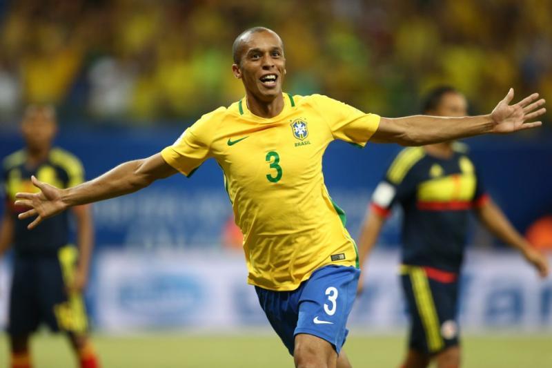Miranda será o capitão do Brasil no jogo contra a Sérvia
