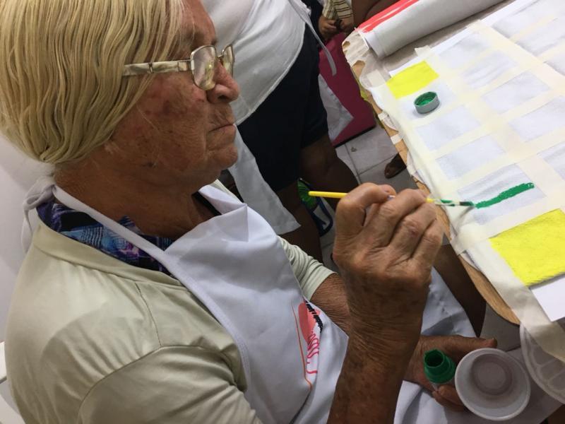 Casa de Palha auxilia mulheres a superar dificuldades através do artesanato
