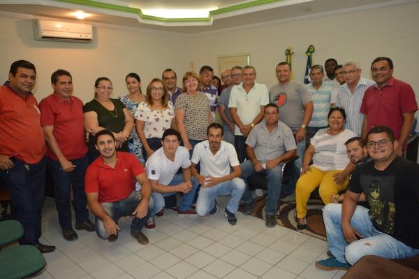 Prefeita Neidinha Lima promove reunião para tratar detalhes sobre o Cidade Junina 2018