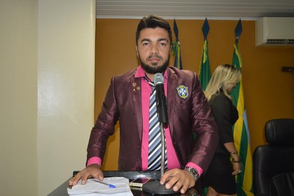 Vereador Jesse James - PSD, chama a atenção da população para os candidatos Copa do Mundo
