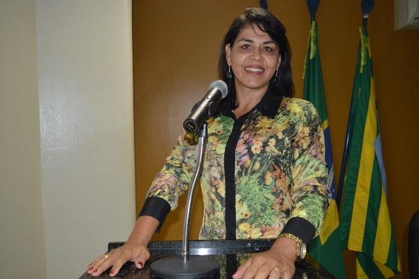 Vereadora Surama Martins - DEM, afirma que quem recebe votos tem que ter compromisso com Guadalupe