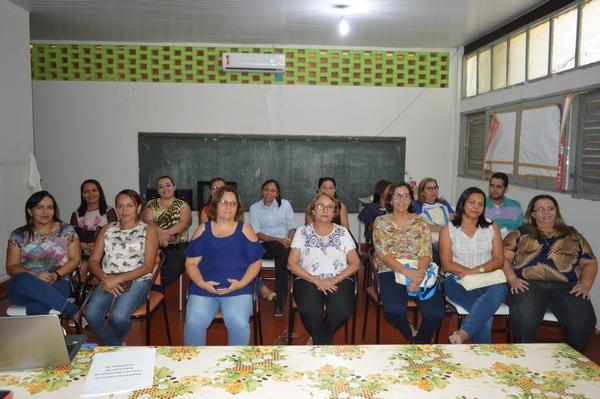 Membros do Conselho Municipal de Educação são empossados e elegem presidente e vice do CME