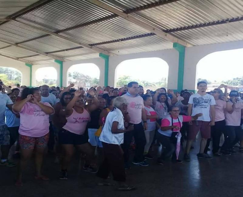 'Caminhada Rosa' mobiliza mulheres e homens em Demerval Lobão (PI)