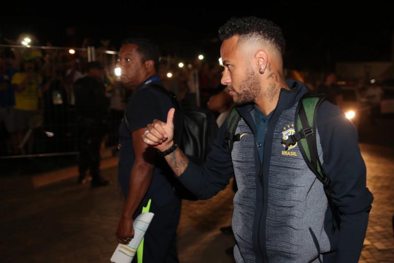 Neymar muda visual novamente na Copa do Mundo
