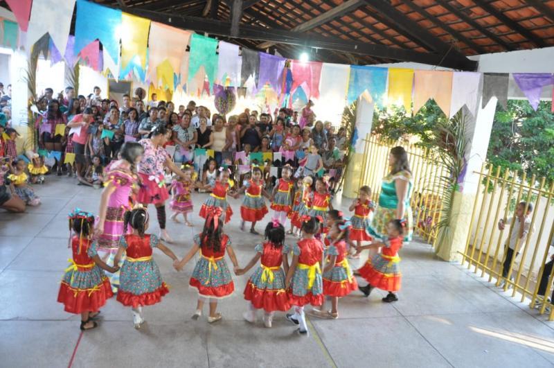 Escola Municipal Iracema Miranda promove 'Arraiá Junino'
