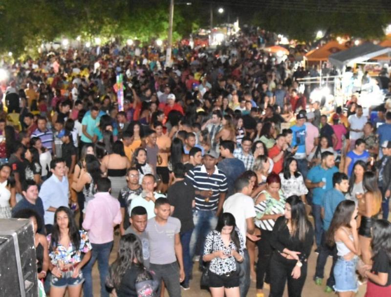 Vendas e shows marcam o terceiro dia da 48° Exposição Feira Agropecuária de Floriano