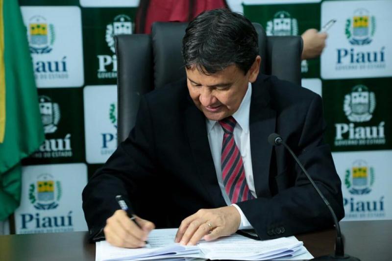 Governo do PI economiza R$ 12 milhões com abono-permanência