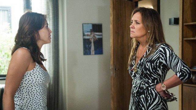 Segundo Sol: Rosa é desmascarada por Laureta na frente da família