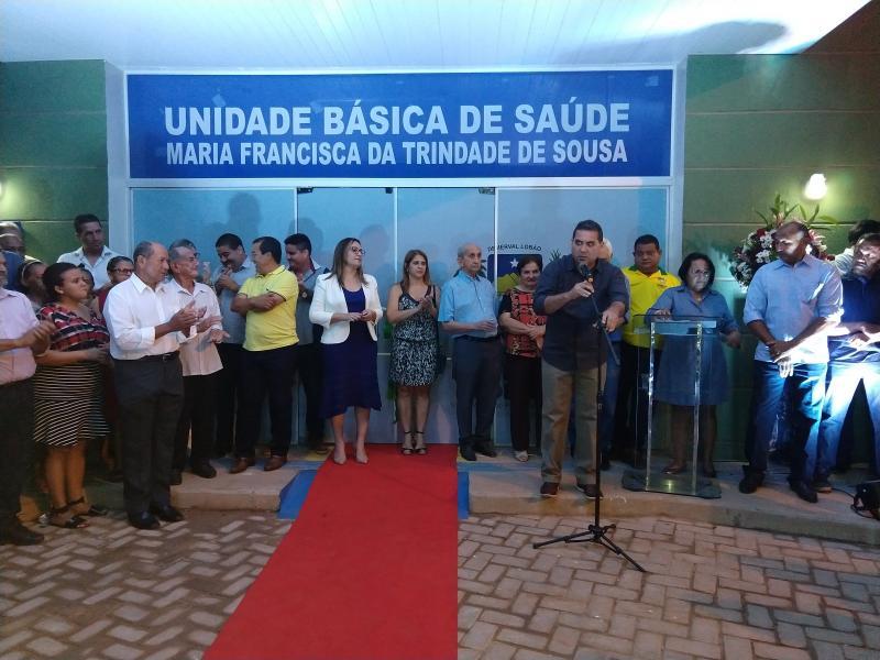 Demerval Lobão | prefeito entrega obras importantes na área da saúde