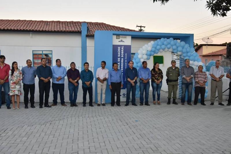 Prefeitura entrega reforma de UBS e revitalização de praça do bairro Caixa D'água