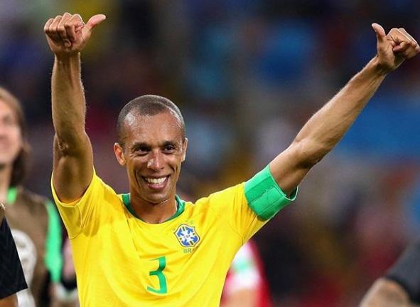 Miranda será o capitão do Brasil no jogo contra a Bélgica