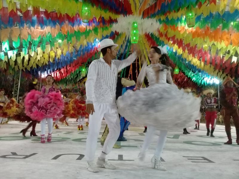 Veja fotos da primeira noite do XIV Festival Cultural dos Cocais
