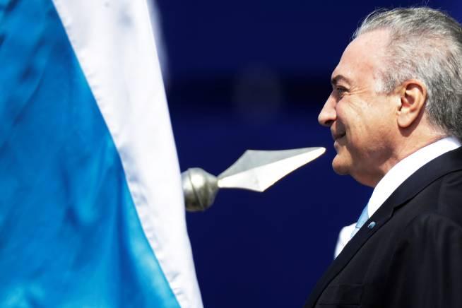 Michel Temer gasta R$ 32 bilhões para se manter no cargo