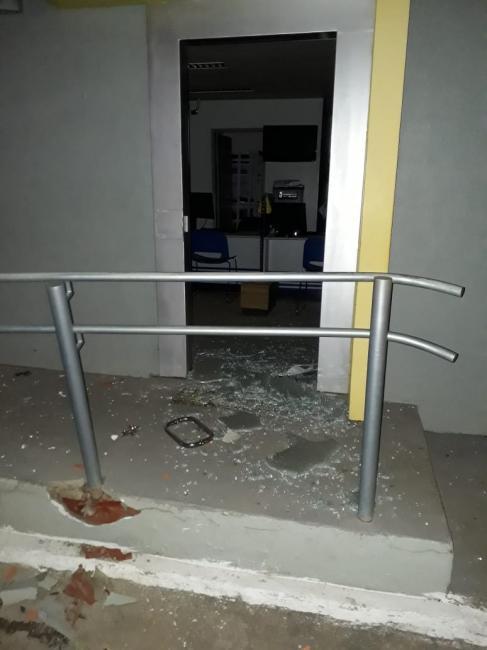 Bandidos explodem caixa do BB e agência dos Correios no Piauí