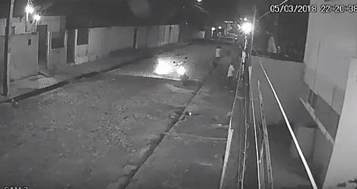 Mulher é assassinada por 'dedurar' traficante em Teresina; vídeo